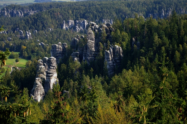 Pohled na Adršpašské skály z hradu Adršpach