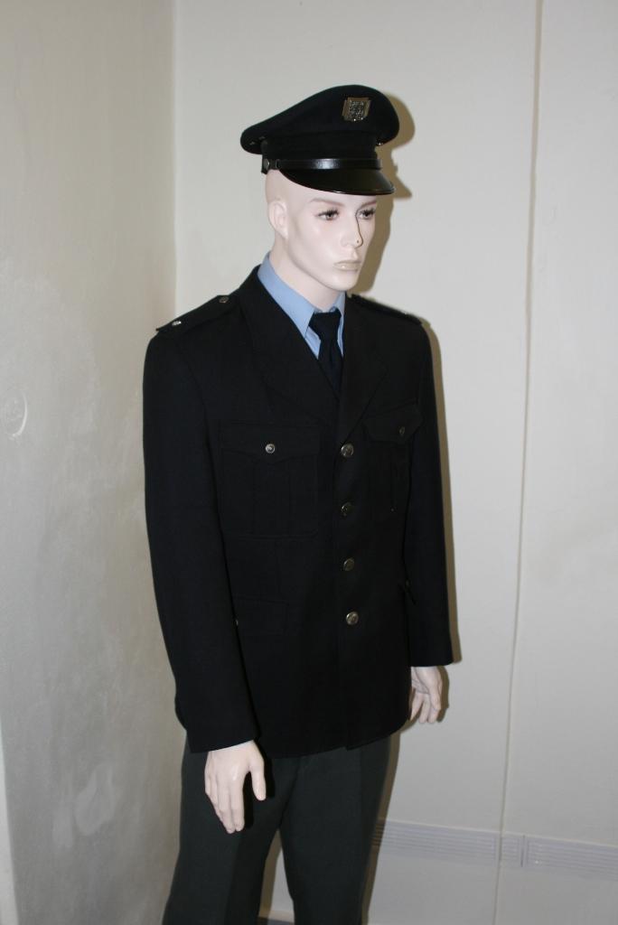 policie-uniforma.JPG