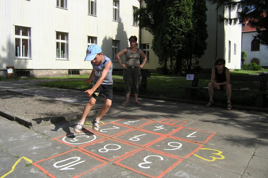 Skákací hra Koník