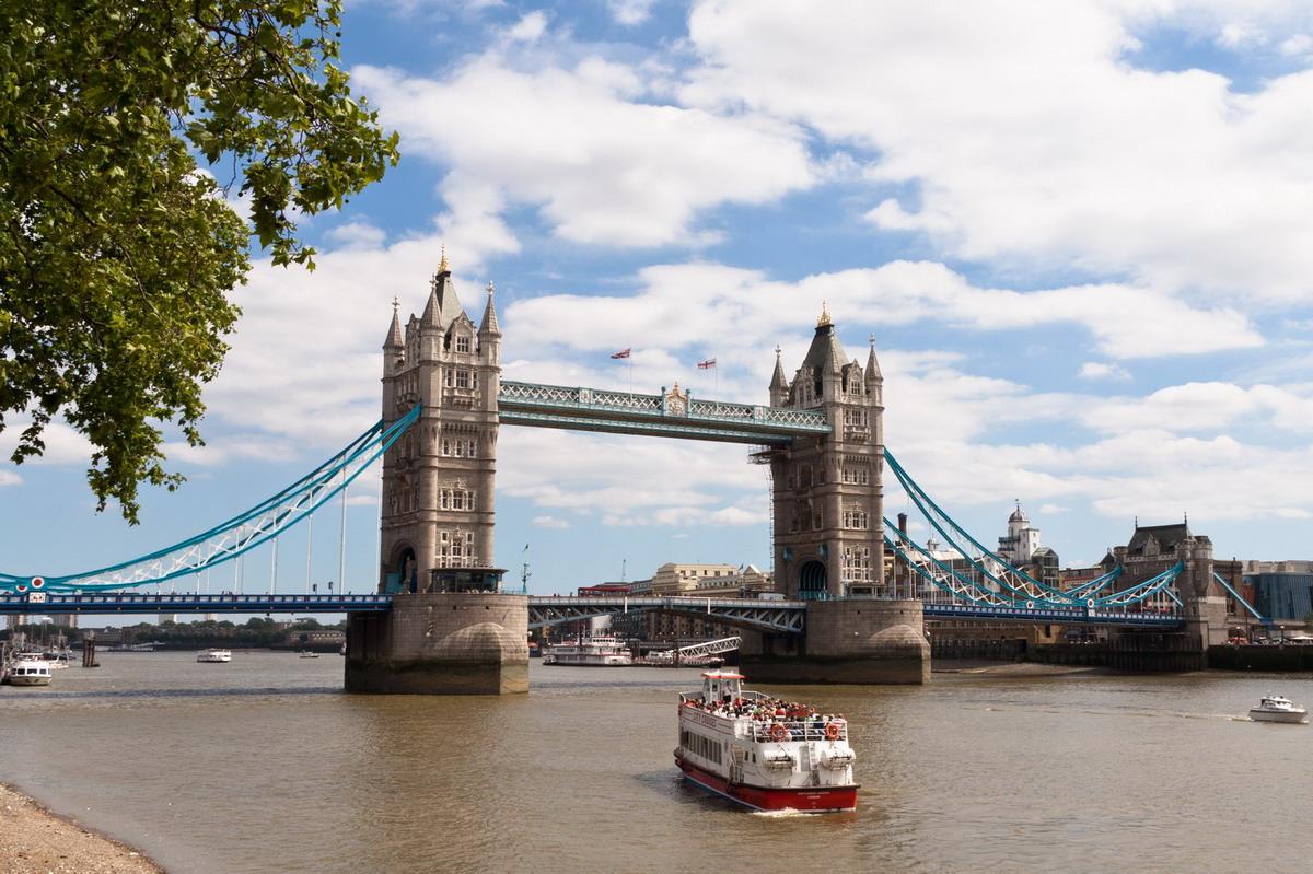 tower_bridge1.jpg
