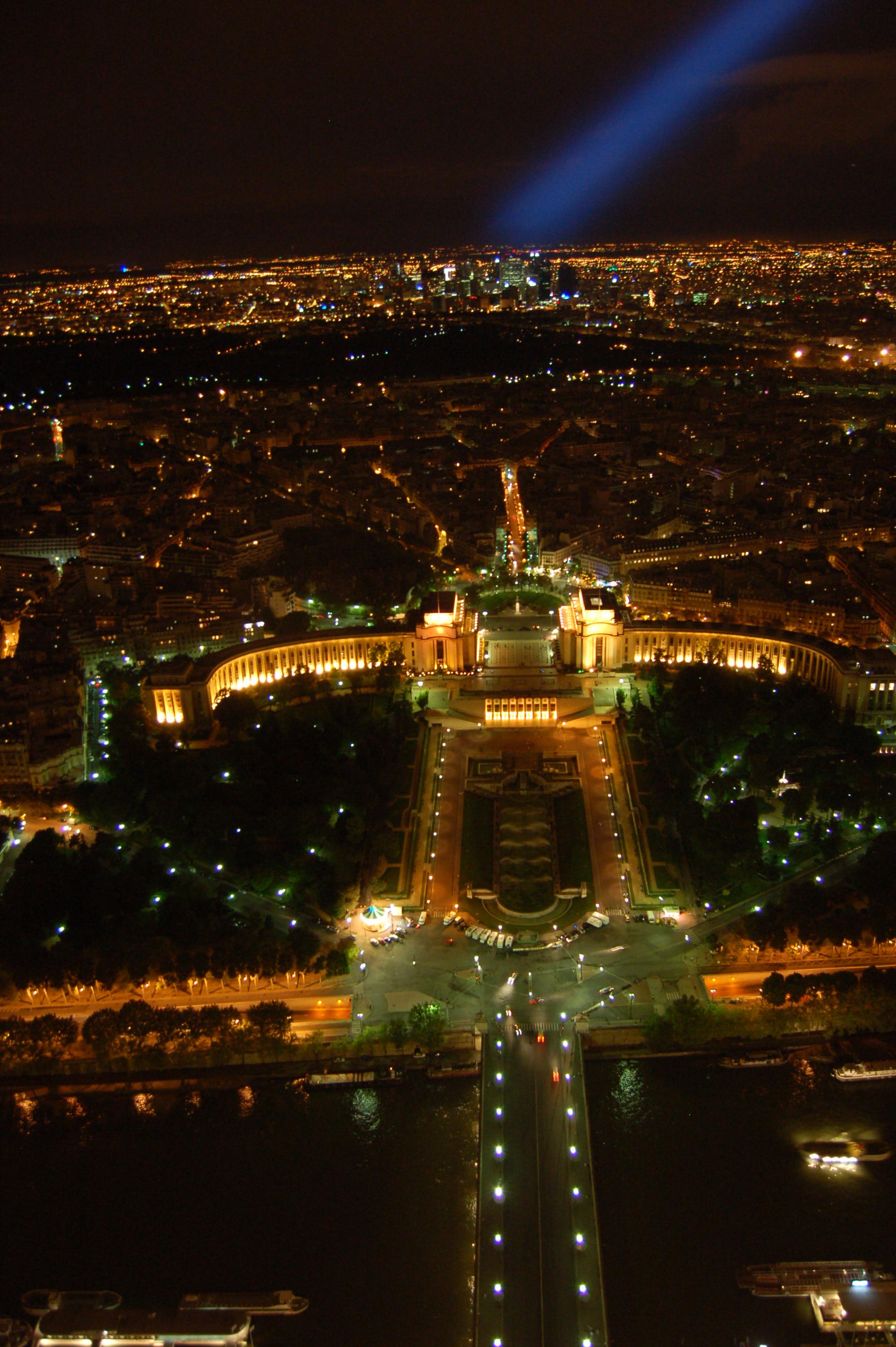 noční pohled z Eiffleovy věže III.JPG