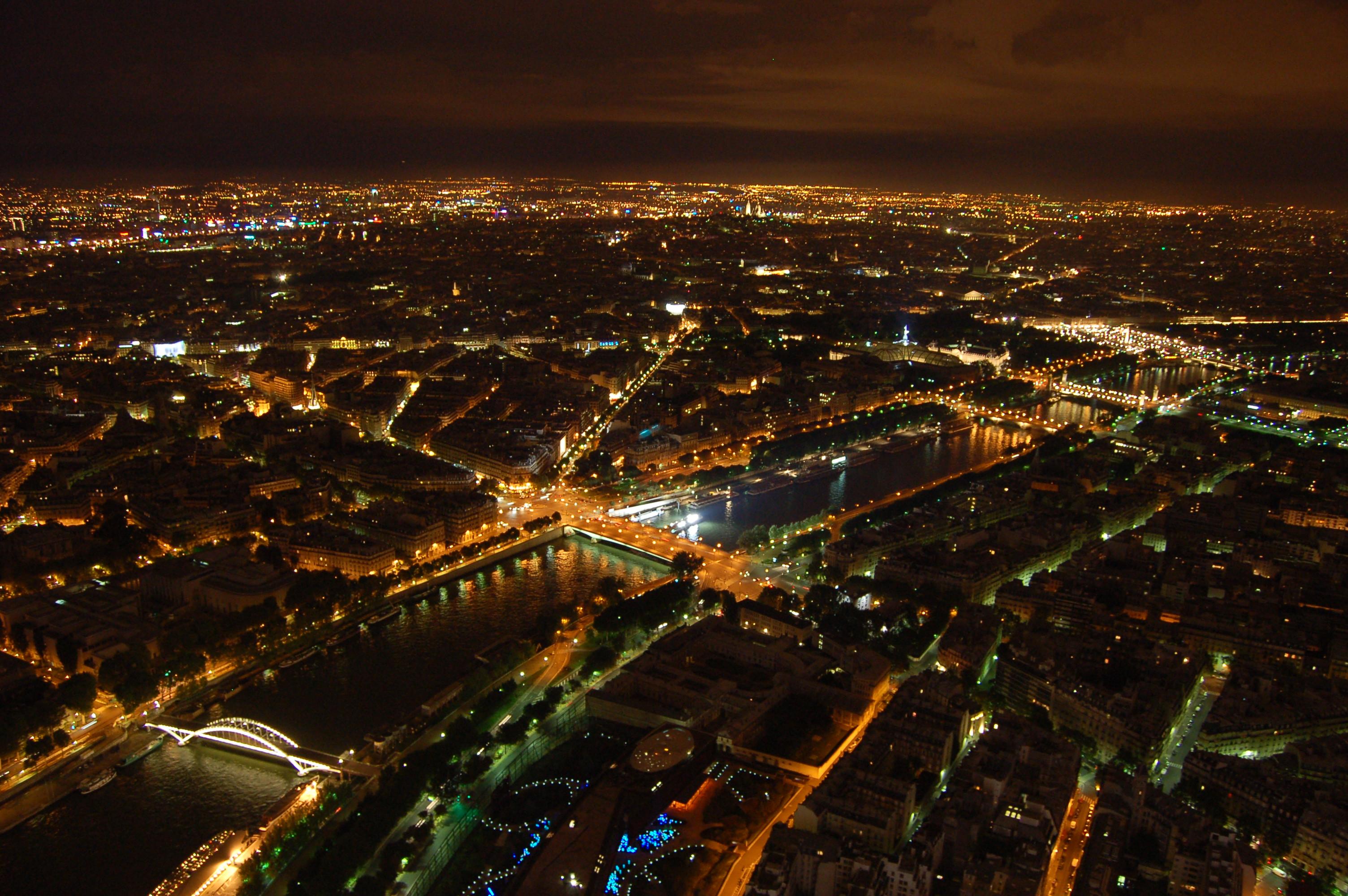 noční pohled z Eiffleovy věže IV.JPG