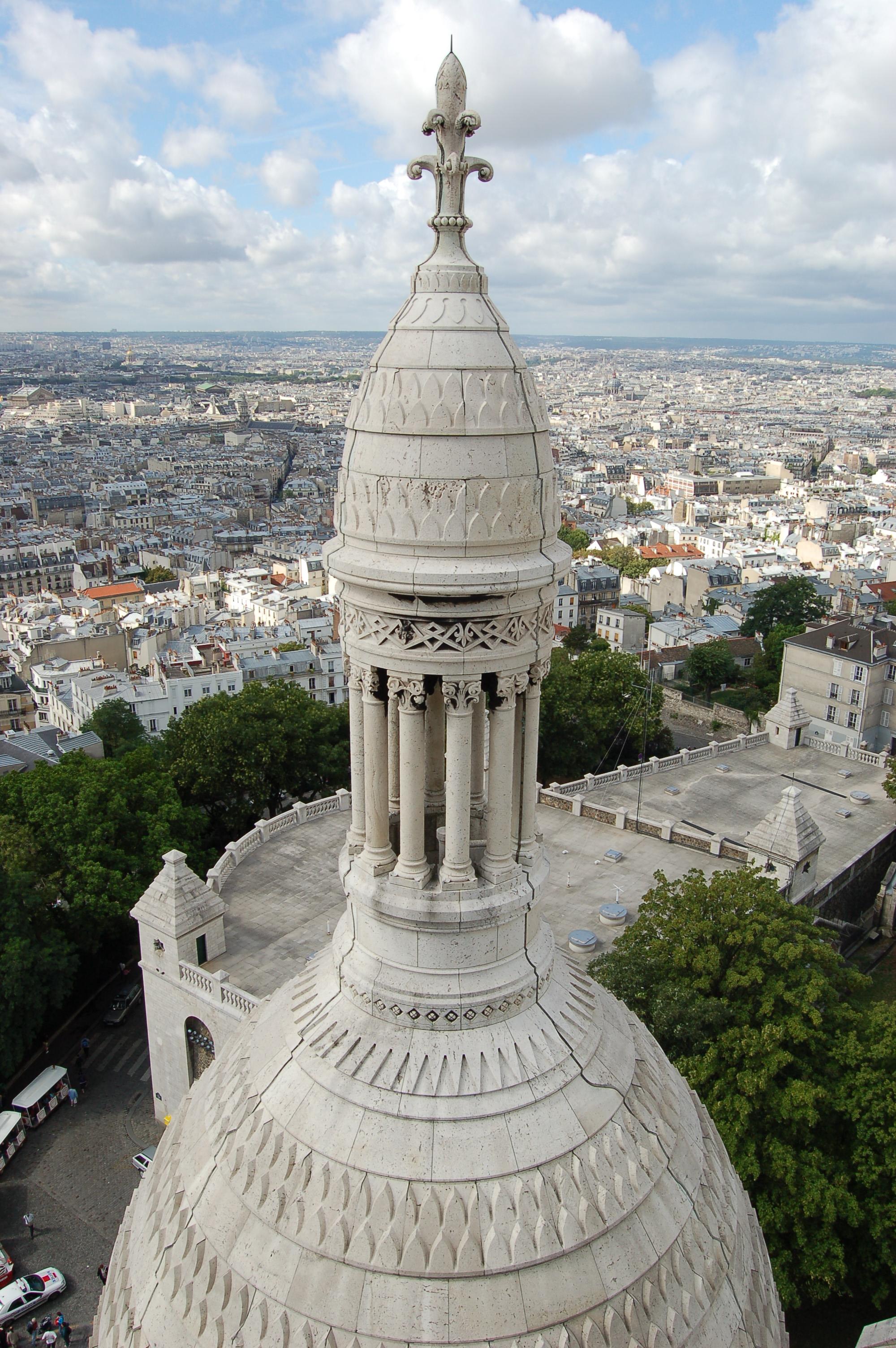 Paříž z pohled z Montmartr.JPG