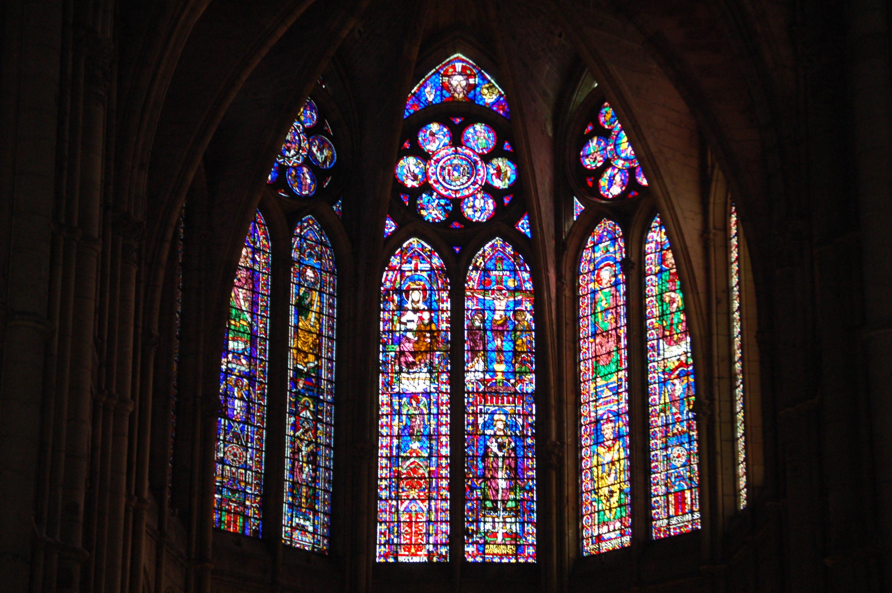 Vytrážové okna katedrály v Remeši.JPG