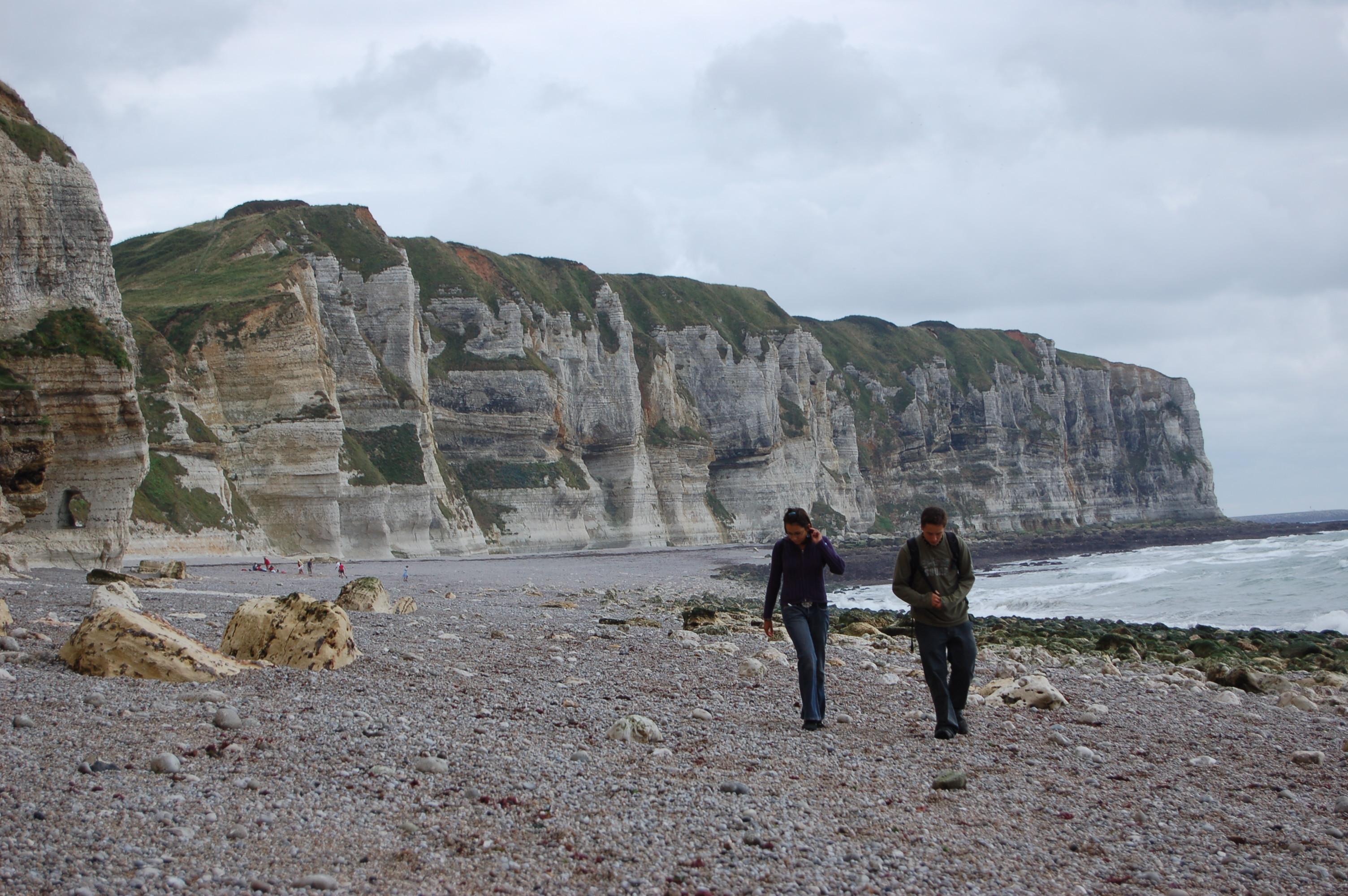 Etretat - pobřeží po odlivu II.JPG