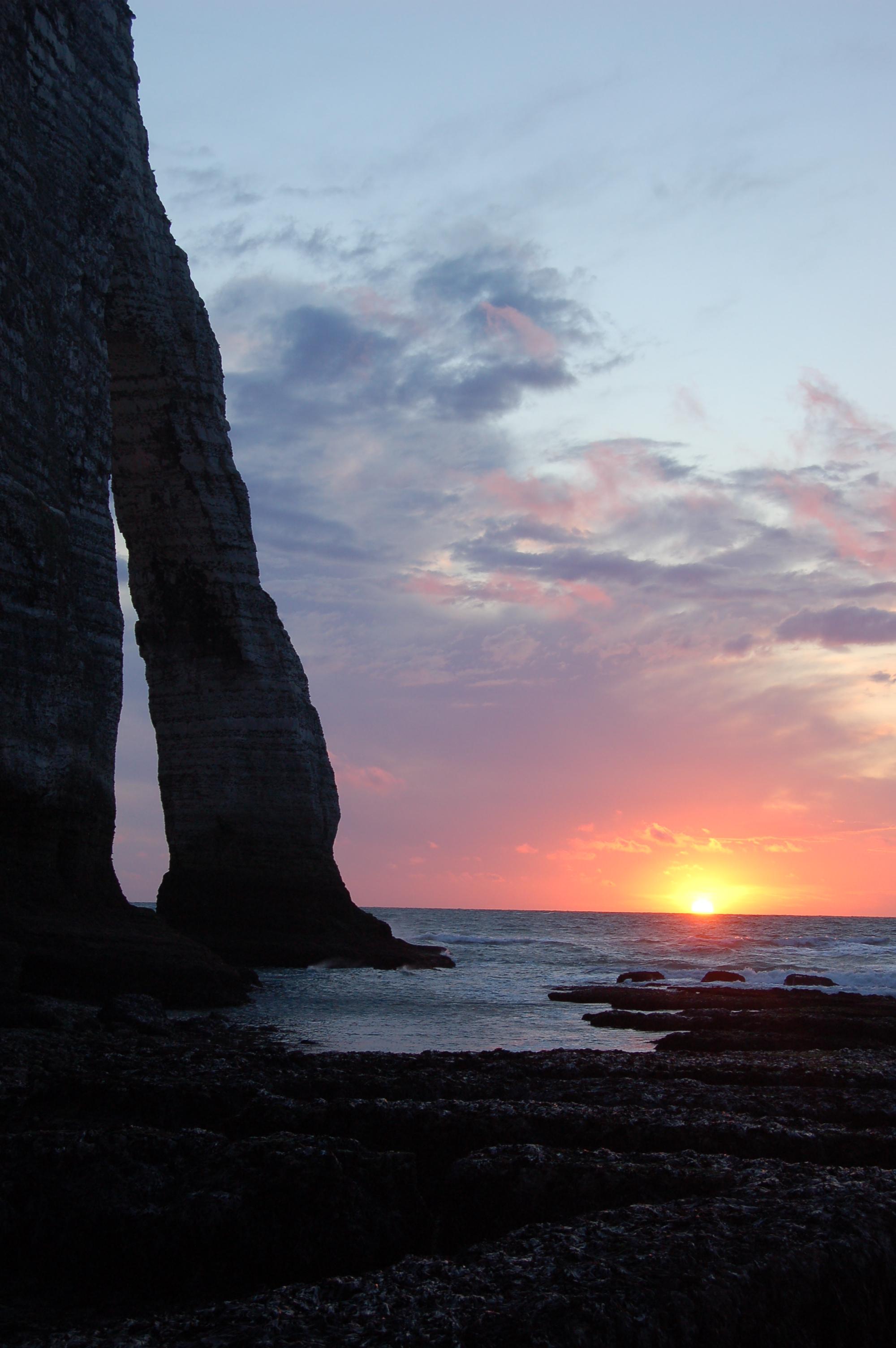 Etretat - západ slunce.JPG