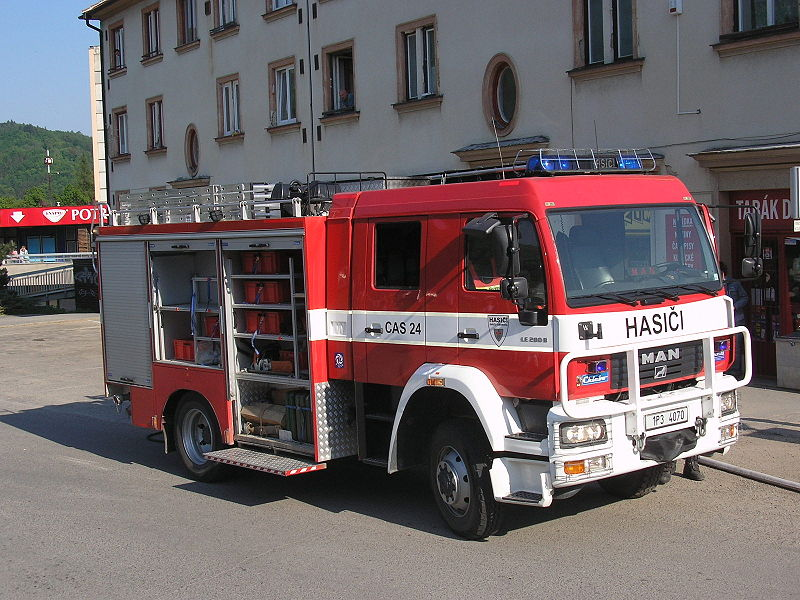 800px-Man_Cas_24_(Adamov_Fire_fighter_CZ).jpg