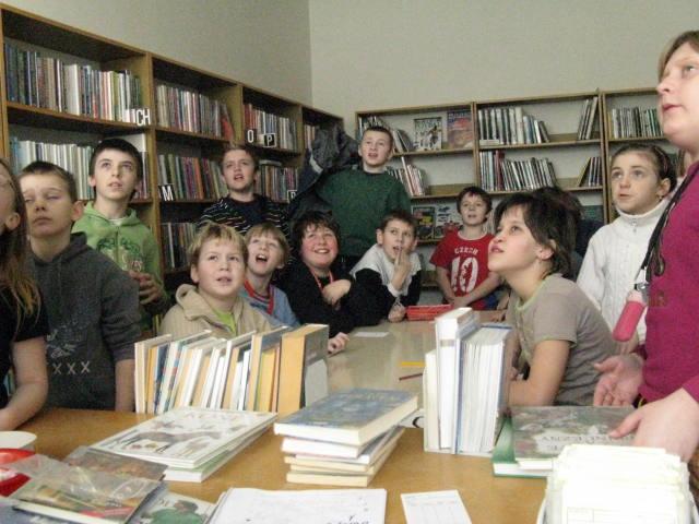 knihovnaa14.JPG