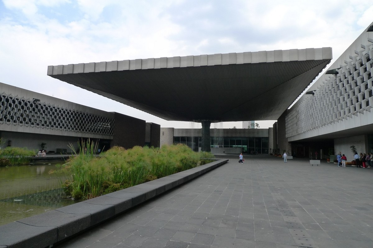 090423-151701 Museo Nacional de Antropologia.jpg