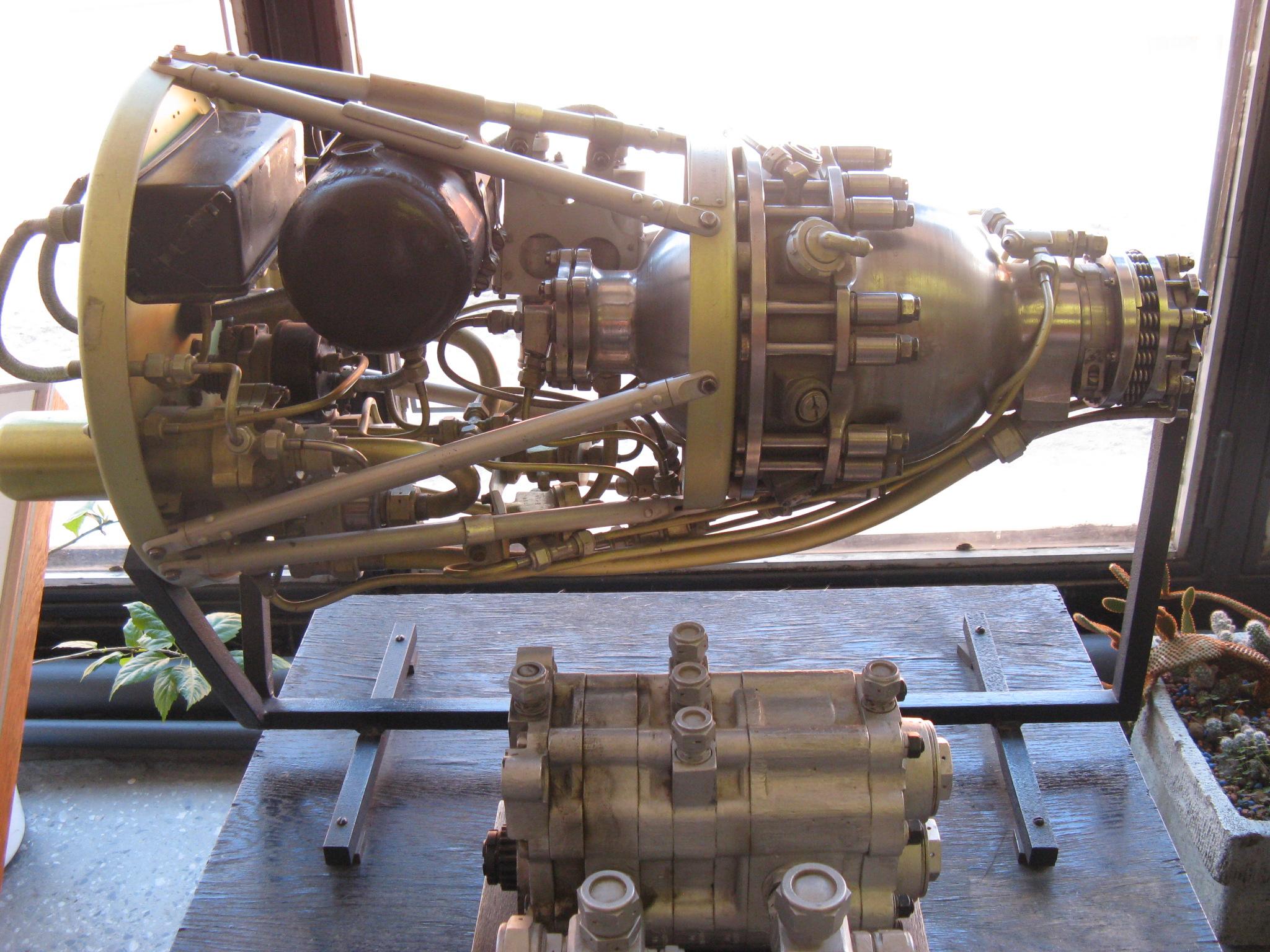 Raketový motor z roku 1944_45.JPG