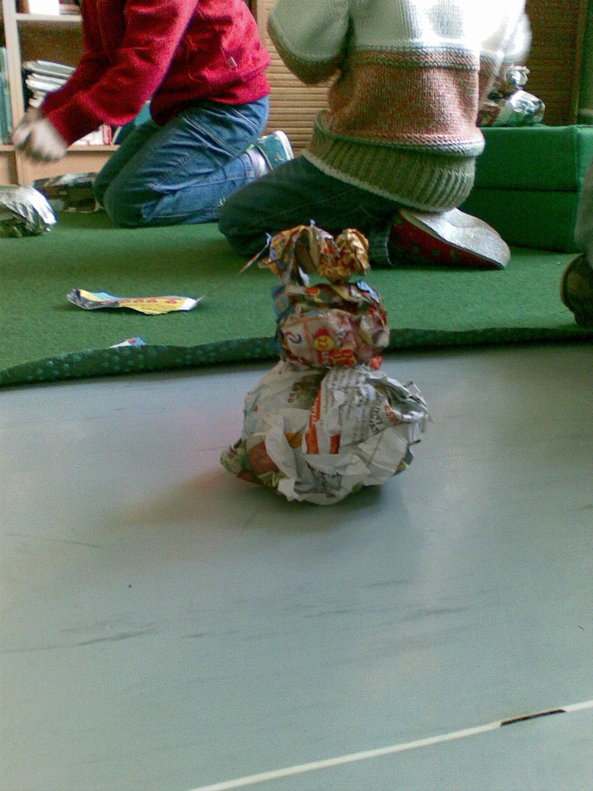 papírový sněhulák