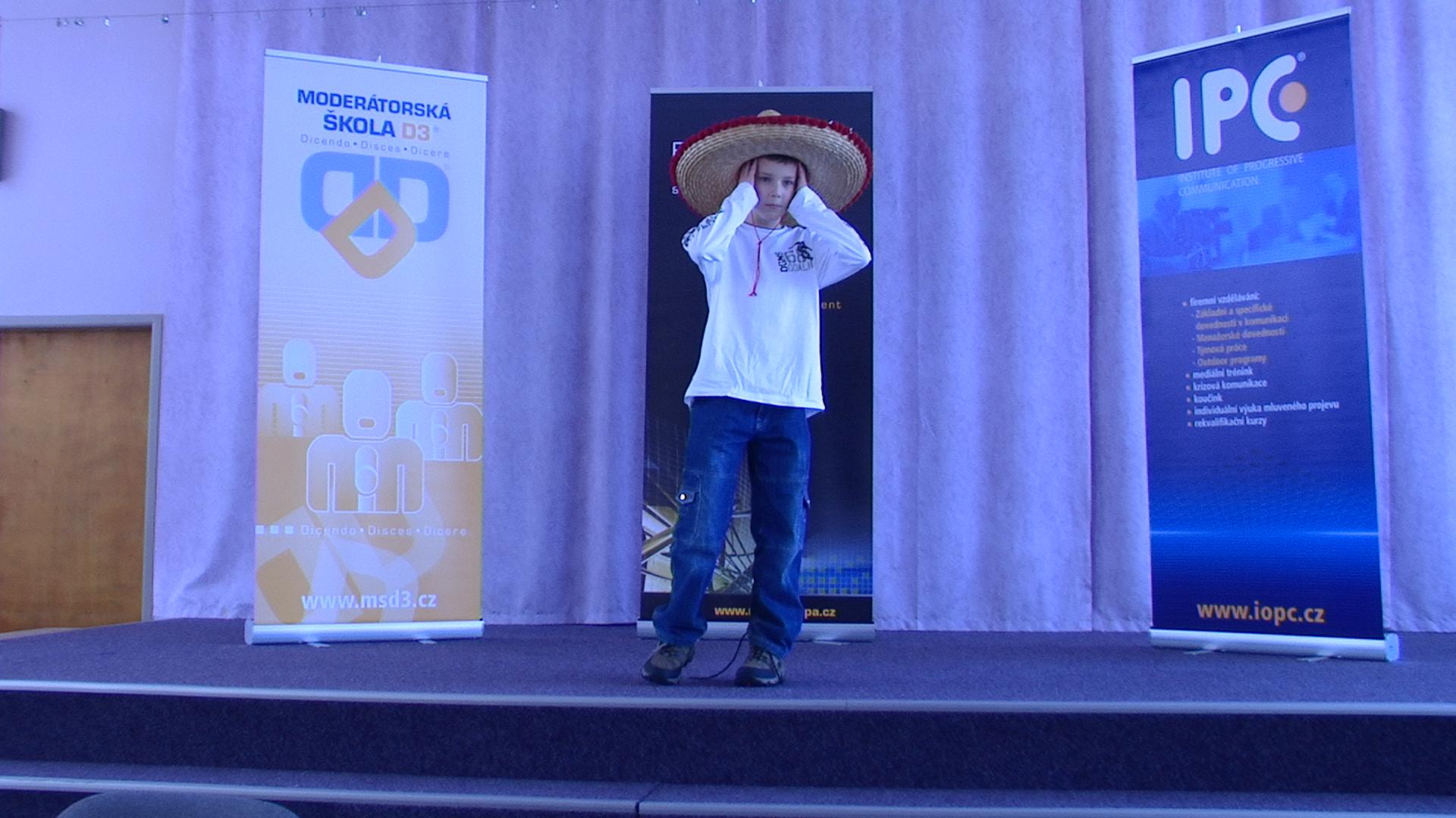 Nácvik veřejného mluveného projevu (projekt: Mladý Demosthenes, foto: Jana Adámková)