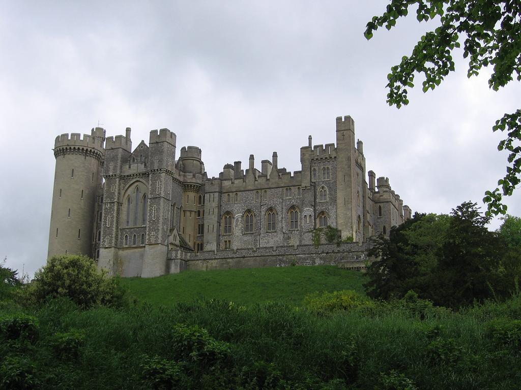 arundel-castle-002.jpg