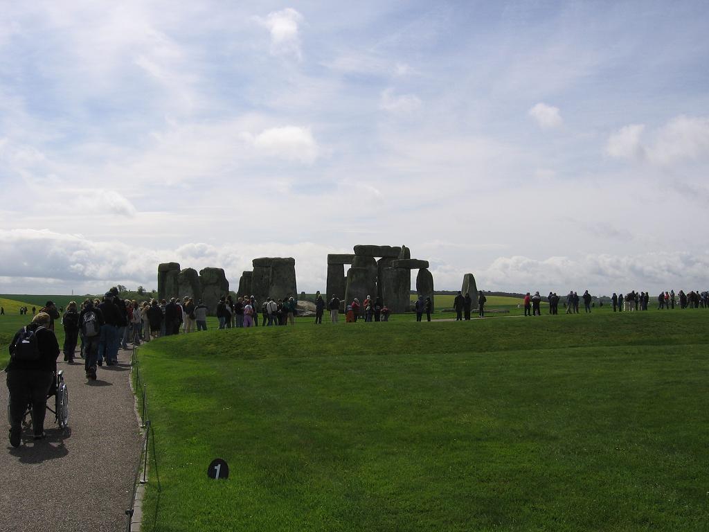 stonehenge-01.jpg