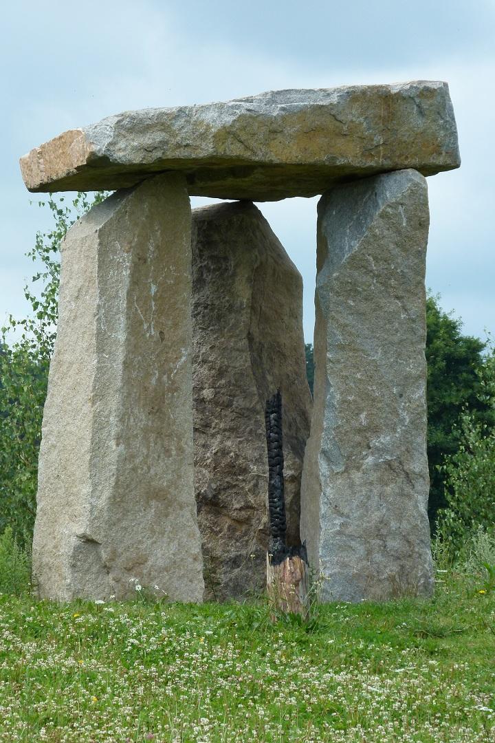 holesovicke-stonehenge-06.jpg