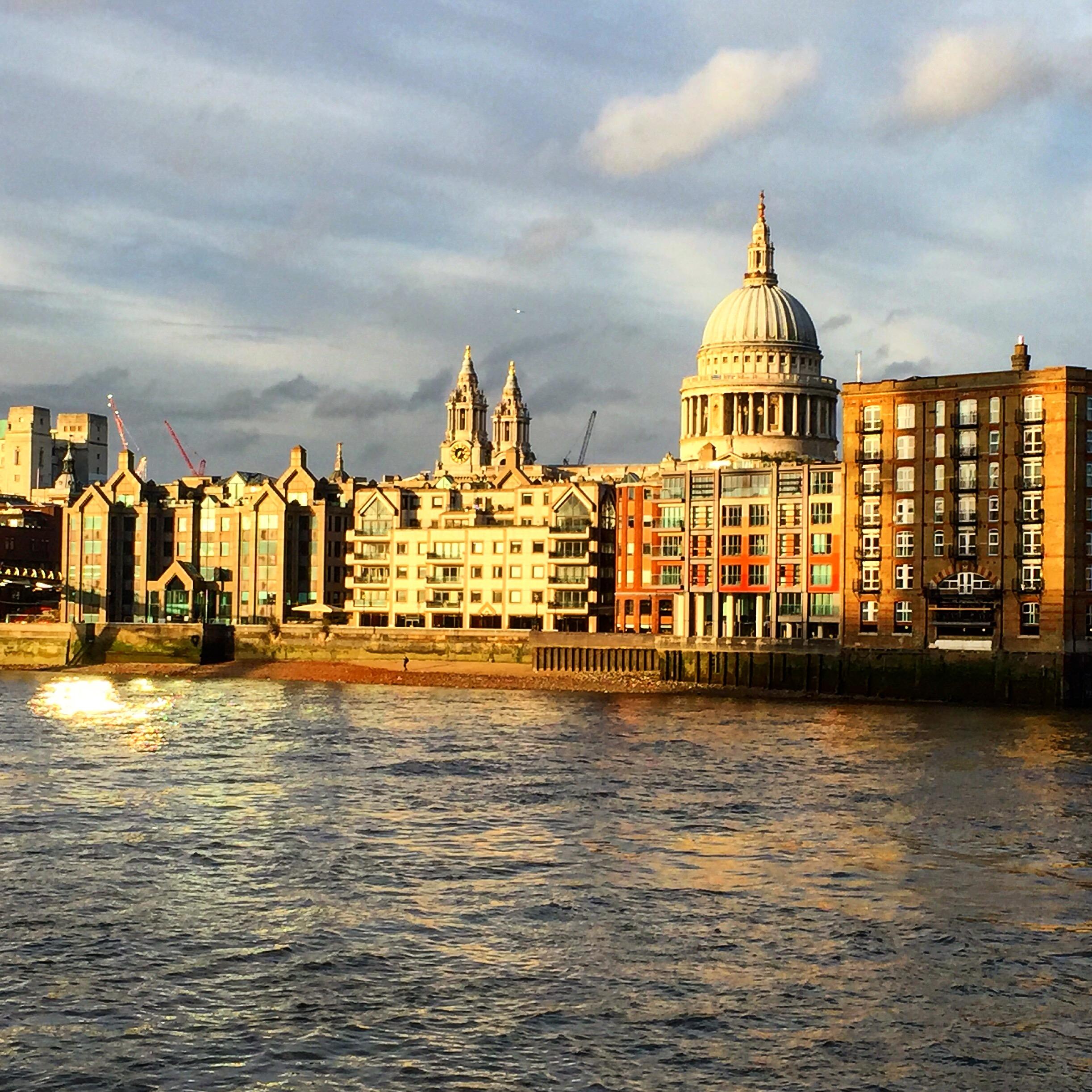 Nábřeží v London of City