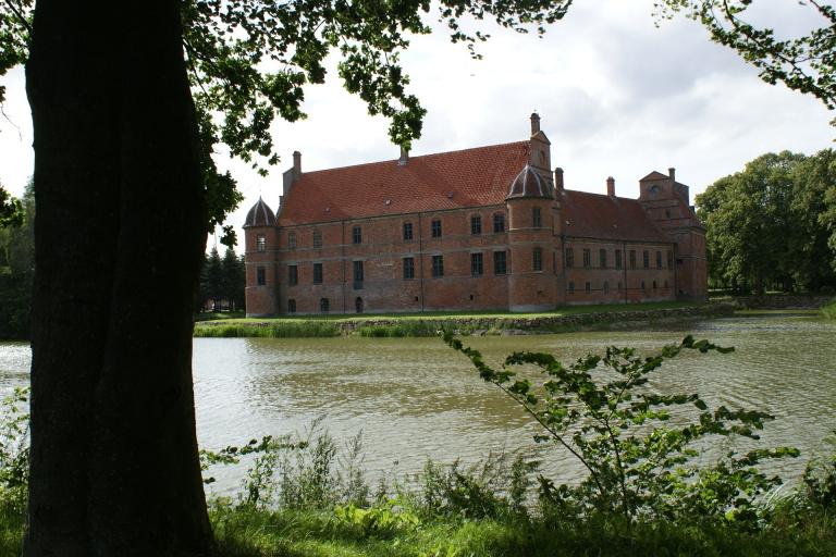 zámek ROSENHOLM u města HORNSLET