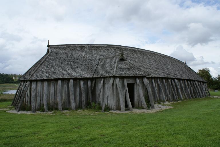 Vikingové - vojenský dům