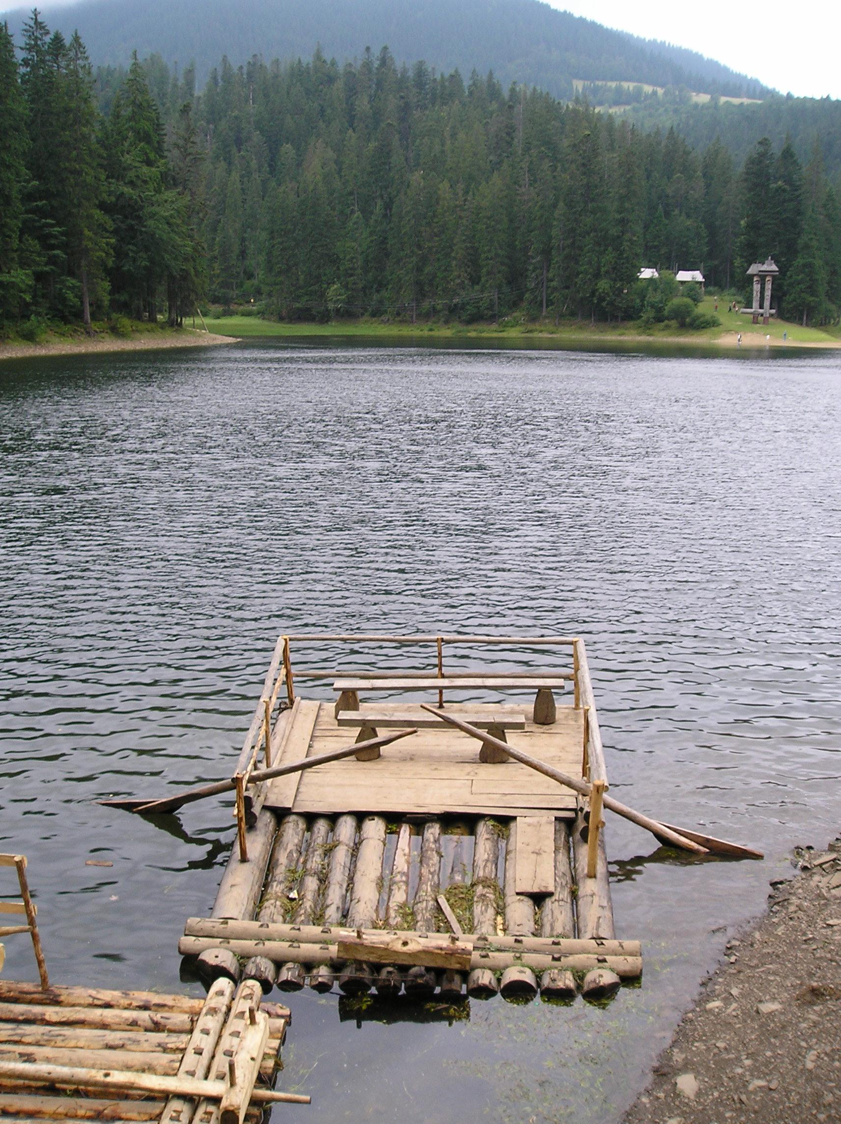 Siněvirské jezero.JPG