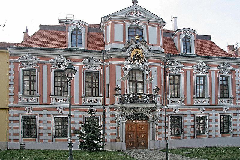 800px-Opava_-_Sobkův_palác.jpg