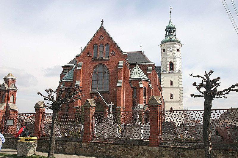 800px-Kostel_svatého_Bartoloměje_v_Kravařích.jpg