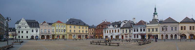 800px-Bruntál_(Freudenthal)_-_market_square.jpg