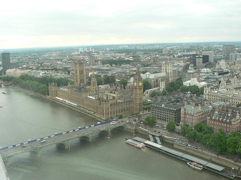 pohled z vyhlídkového kola London Eye.jpg