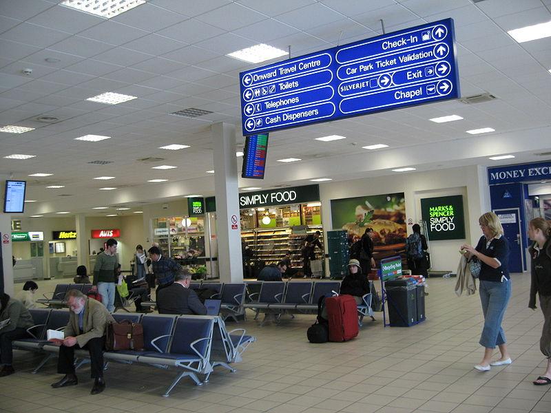 800px-Luton_airport3.jpg