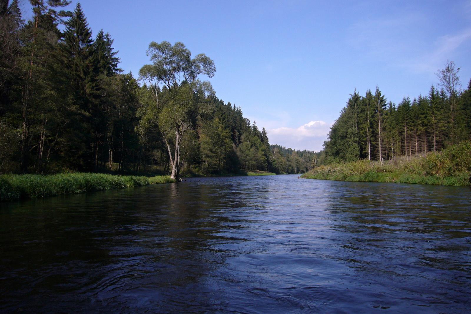 z řeky.JPG