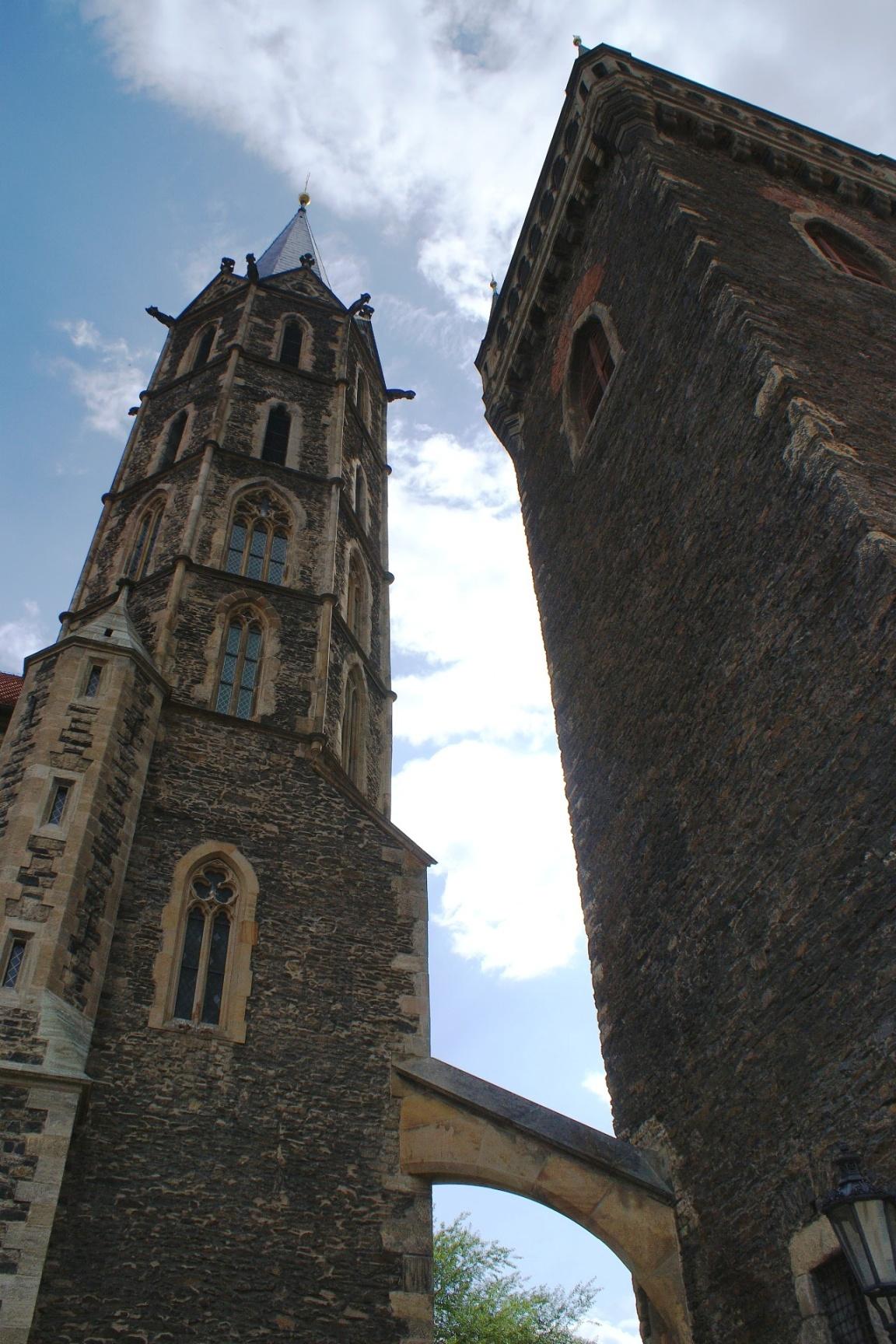 dvě věže.jpg